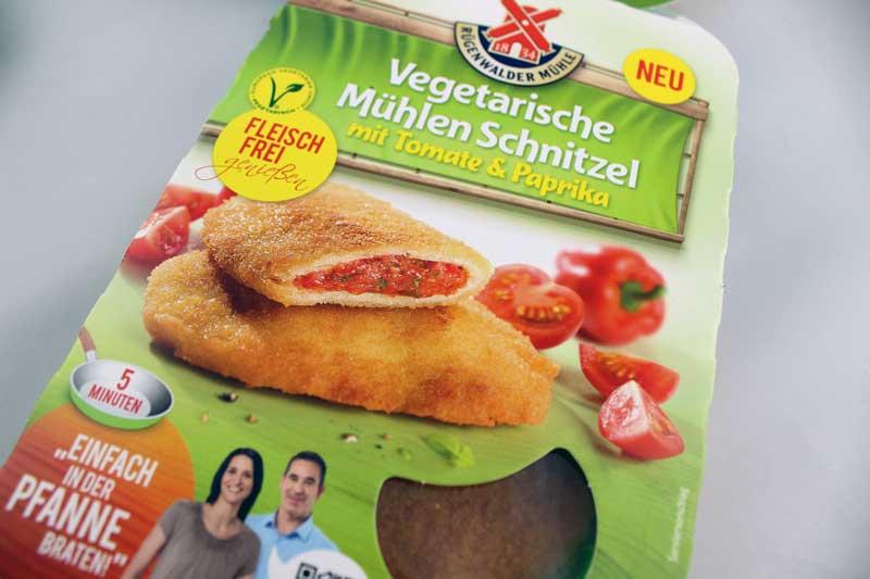 Vegetarische-Mühlenschnitzel-mit-Tomate-&-Paprika