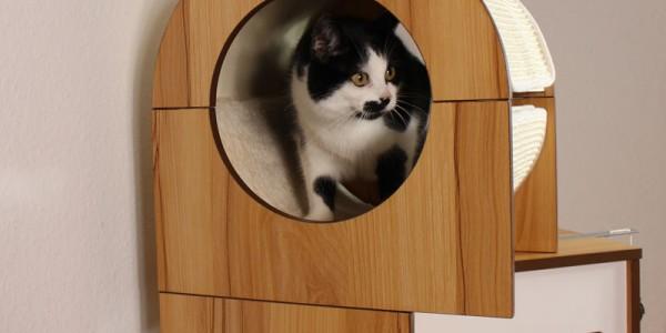 hochwertiger-Kratzbaum-Katze