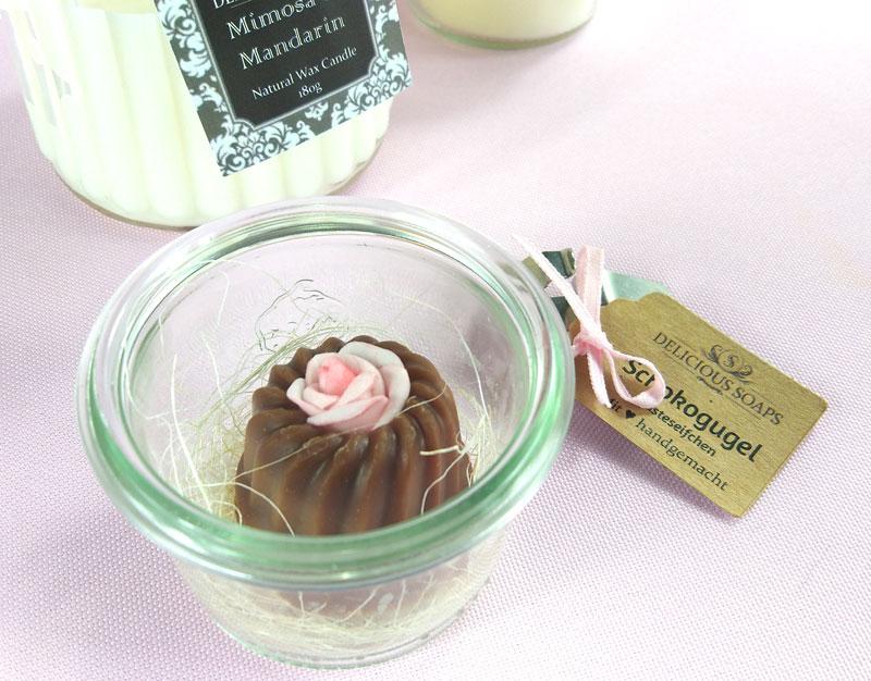 gaesteseife-handgemacht-delicious-soaps-zauberhafte-geschenkidee-diecheckerin