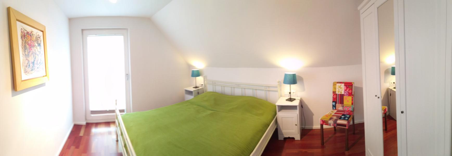 luxus-ferienhaus-mit-sauna-alpirsbach-entspannung-im-schwarzwald-schlafzimmer-og-1