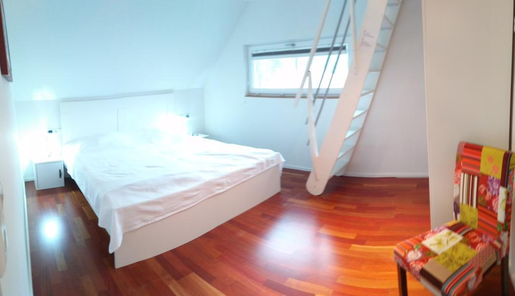 luxus-ferienhaus-mit-sauna-alpirsbach-entspannung-im-schwarzwald-schlafzimmer-og-3-empore