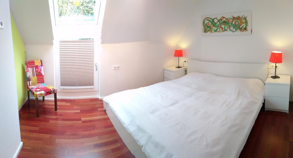 luxus-ferienhaus-mit-sauna-alpirsbach-entspannung-im-schwarzwald-schlafzimmer-og-4