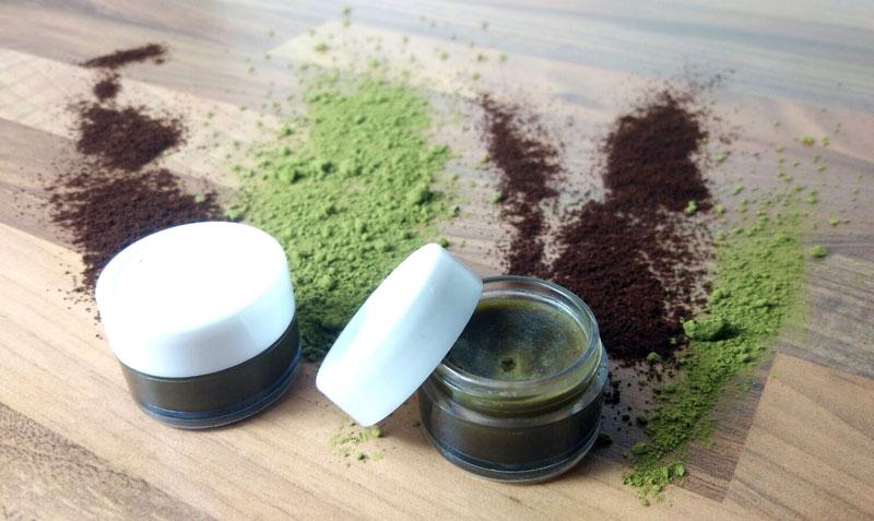 creme gegen augenringe selber machen kaffee salbe mit einem hauch matcha. Black Bedroom Furniture Sets. Home Design Ideas