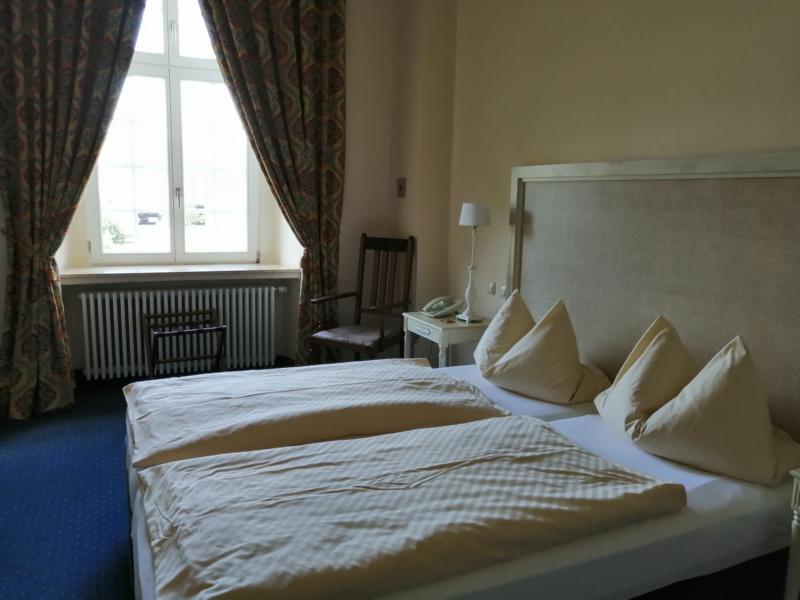 Hotel Schloss Gehrden Zimmer Bett
