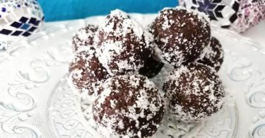 vegane Süßigkeiten selber machen Schoko Brownie Bällchen
